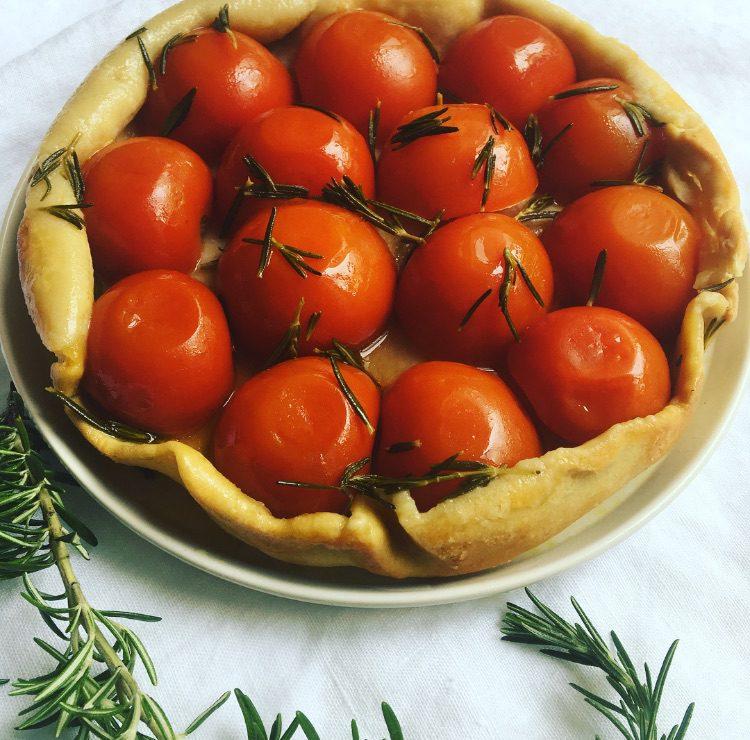 tarte Tatin à la tomate & au romarin